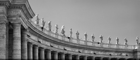 pillars and statues surrounding Vatican City
